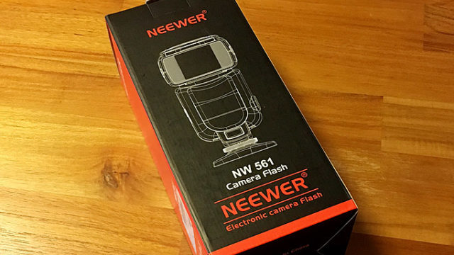 Neewerのストロボ「NW561」を買ってみました!使い方などレビュー